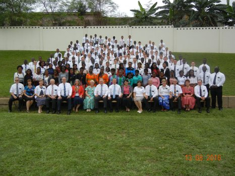 2016 8 29 Group photo with Elder Bednar