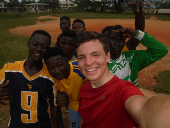 2017 9 25 selfie with football group